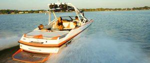 inboard boat